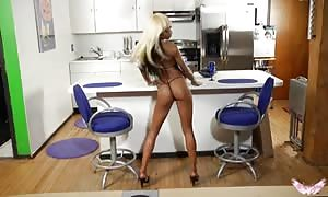 hot ebony beauty fingers her small vag in the kitchen!