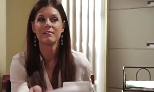 India summer gets cunnilingus from her boyfriend